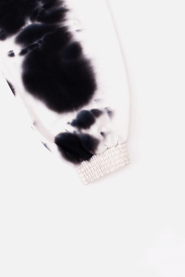 Calça Moletom Approve Animals Dobermann Tie Dye Branco e Preto