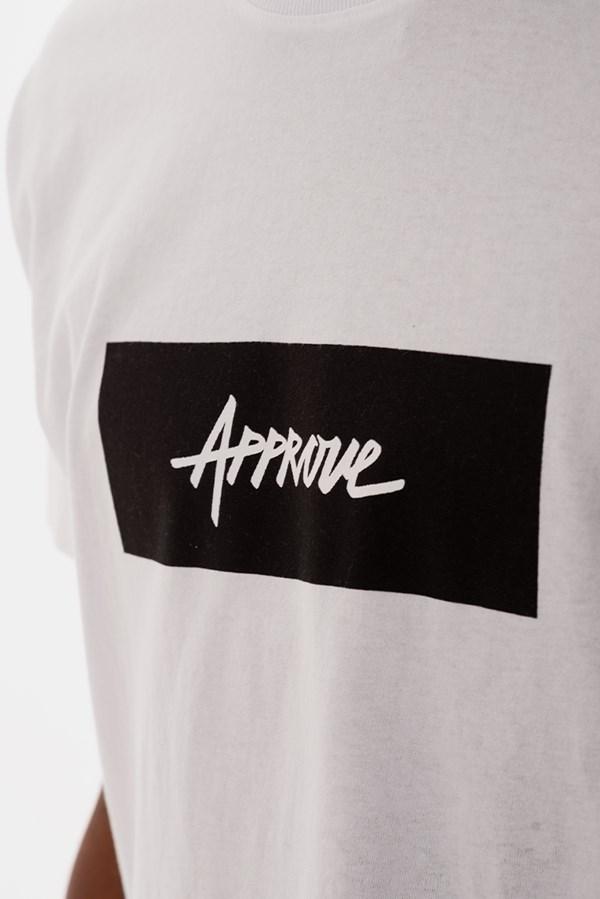 Camiseta Approve Logo Branca E Preta