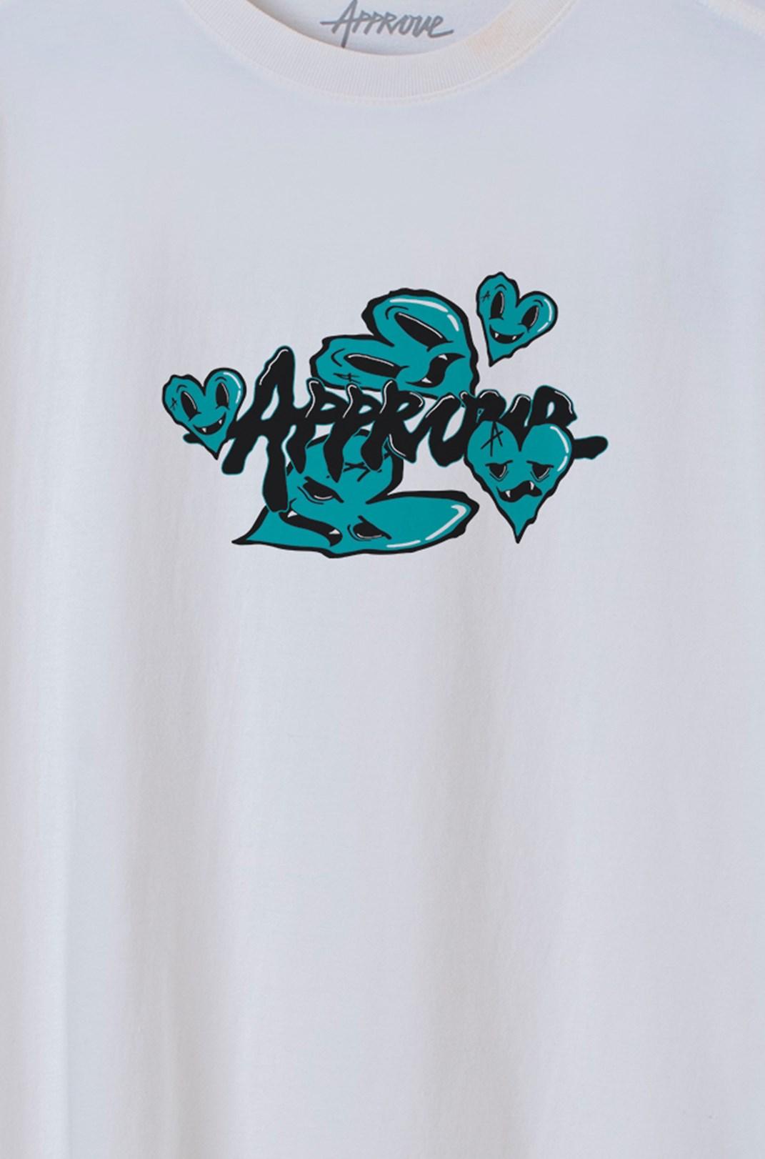 Camiseta Bold Approve Fantastic World Heart Off White