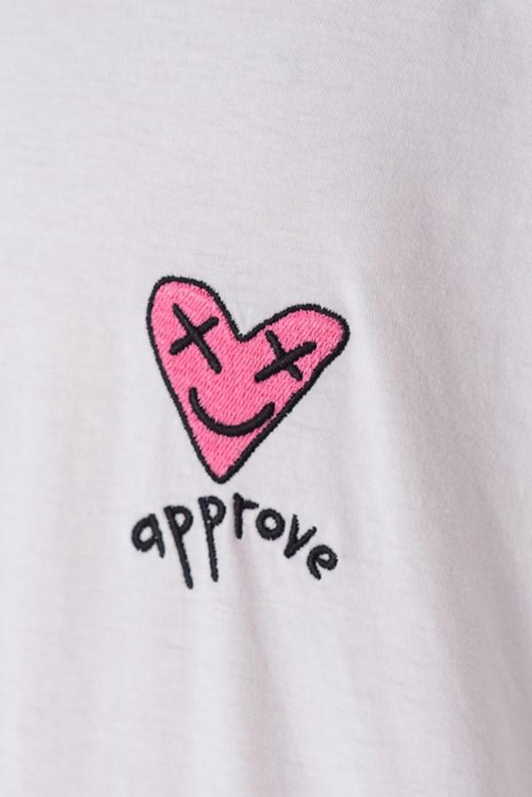 Camiseta Regular Approve Lp Heart Basic Off White