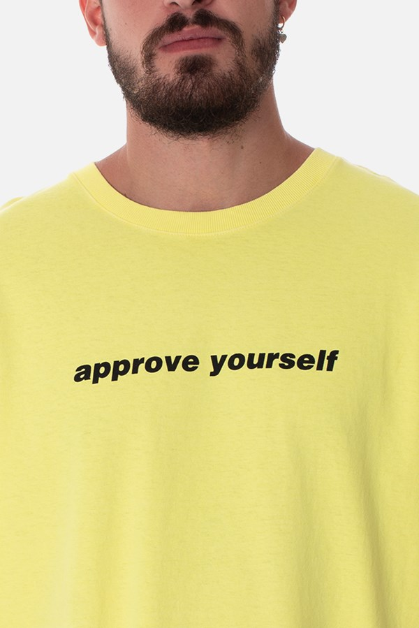 Camiseta Regular Approve Yourself Amarelo Neon