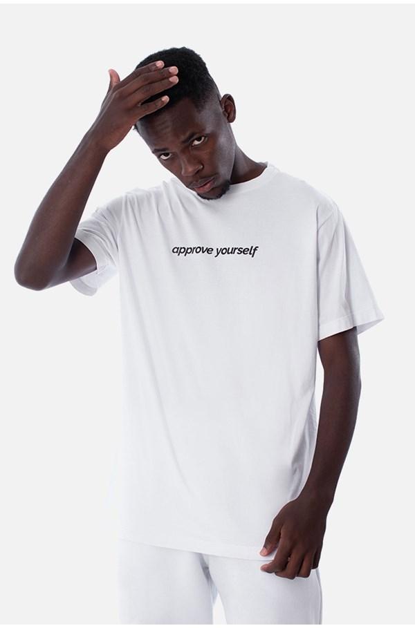 Camiseta Regular Approve Yourself Branca