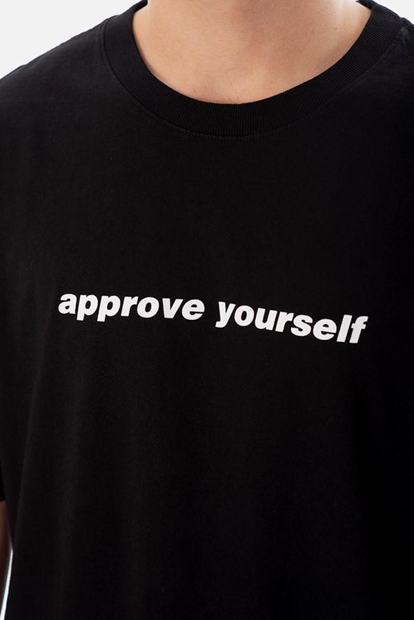 Camiseta Regular Approve Yourself Preta
