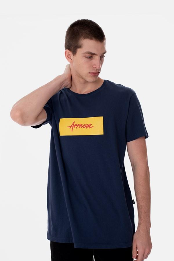 Camiseta Slim Approve Classic Azul Marinho e Amarelo