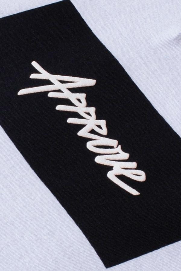 Camiseta Tradicional Approve Classic Branca E Preta V2