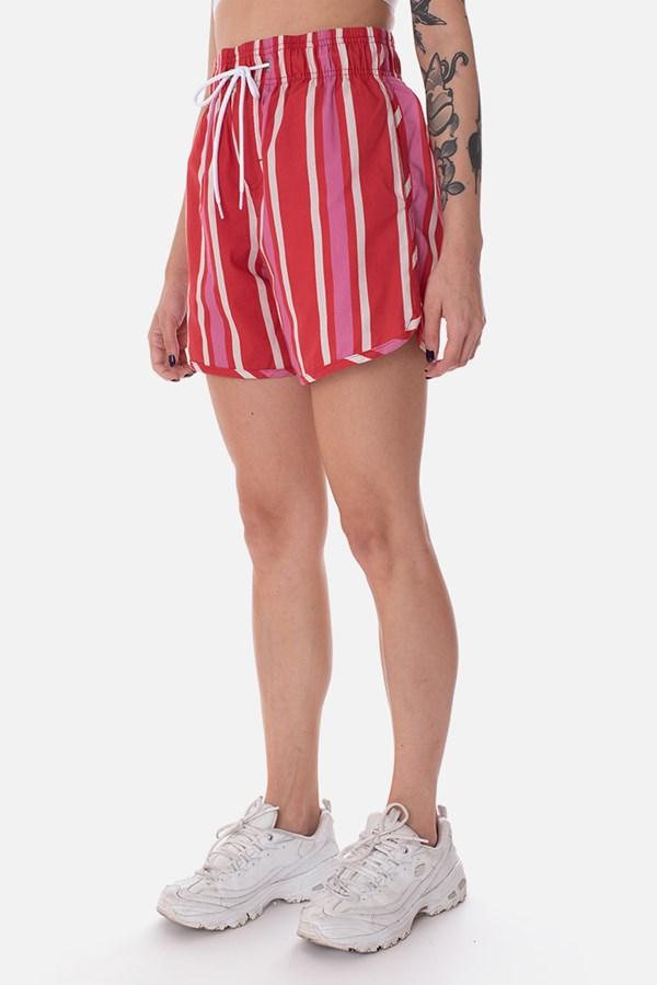 Shorts Approve Chill Vermelho Listrado