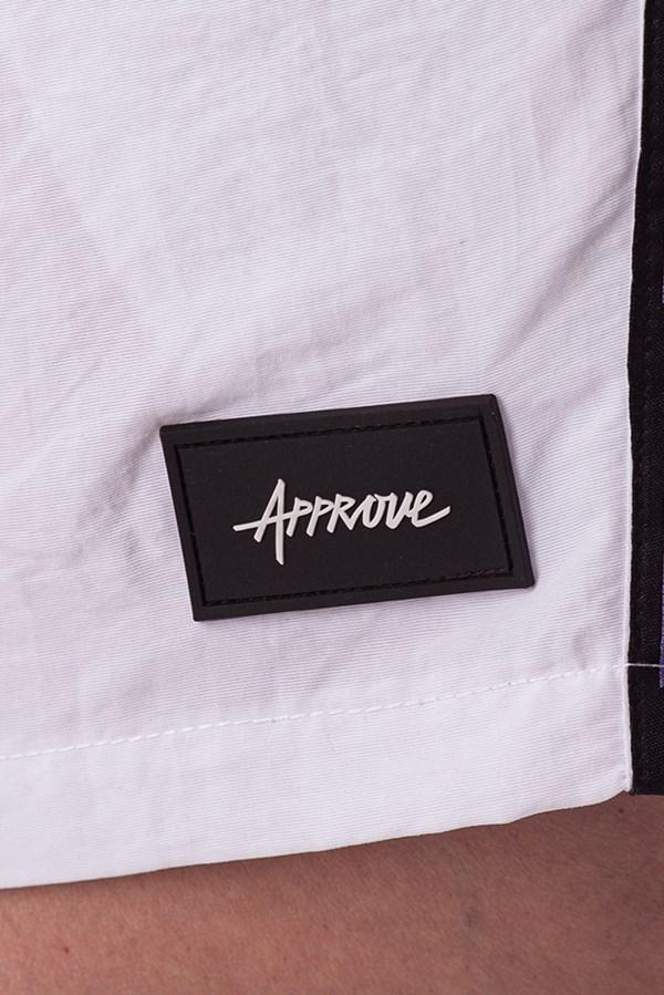 Shorts Approve Pixels&Pills Branco com Faixas